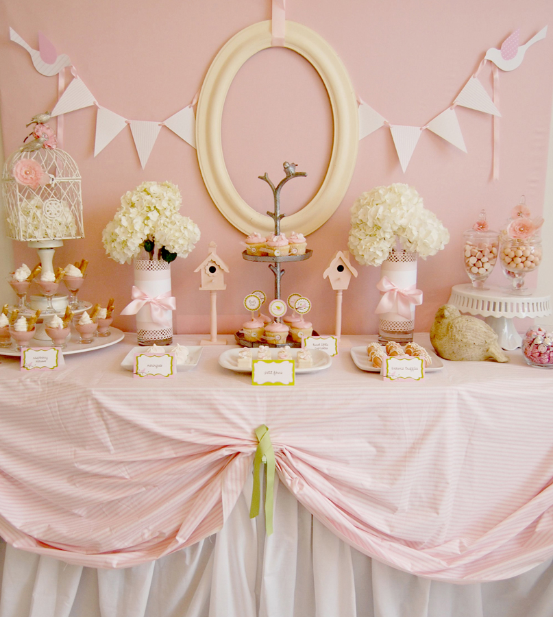 decoraciones de baby shower con jaulas de pajaro